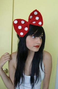 Crochet Minnie Mouse bow...LOVE! Someone, anyone PLEASE make this for me!