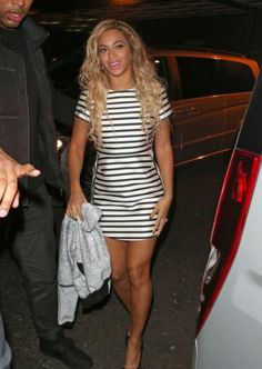 Beyoncé's 14 Best Fashion Moments in Topshop: A Lesson in High-Low Styling – Vogue - Topshop dress, Kurt Geiger shoes