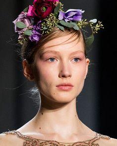 Marchesa evoca a la naturaleza con detalles florales los beauty looks de su pasarela #FW17. #NYFW #HarpersBazaarMx #BazaarMx #ThinkingFashion #BazaarFashionWeek #Marchesa  via HARPER'S BAZAAR MEXICO MAGAZINE OFFICIAL INSTAGRAM - Fashion Campaigns  Haute Couture  Advertising  Editorial Photography  Magazine Cover Designs  Supermodels  Runway Models