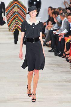 Ralph Lauren  Elegant black dress with white collar