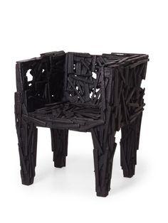 Martin Baas (fait de morceaux, de copeaux de bois brulés)