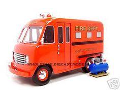 1950 FORD STEP VAN FIRE DEPT TRUCK 1:24 DIECAST MODEL CAR UNIQUE REPLICAS 18570 #UniqueReplicas #Ford