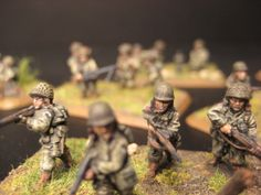 Flames of War, 15mm 101st Airborne, rifle team advancing