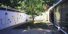 Risultati immagini per casas patio bogota arquitectura Pergola, Garden Fencing, Fence, Earth Homes, Modern Masters, Patio, Landscape Architecture, House, Exterior