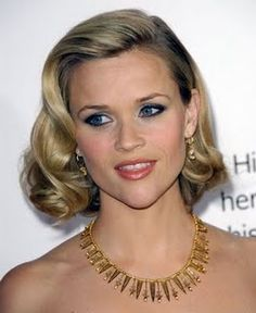 Short vintage curls. To die for. If I cut my hair short I would do it like this every day! I am tempted