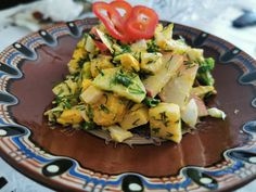Salată de ouă cu mango și verdețuri Potato Salad, Mango, Potatoes, Ethnic Recipes, Manga, Potato