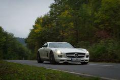 2013 Mercedes-Benz SLS AMG GT - white