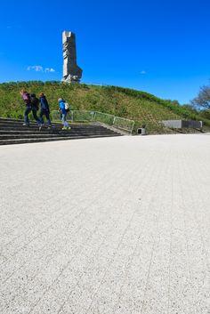 WESTERPLATTE GDAŃSK i Polbruk Beganit wokół pomnika