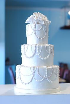 This wedding cake has beautiful strands of pearls hand piped all over the cake! Simple Cake for everyday 7 Tier Wedding Cakes, Wedding Cake Knife Set, Wedding Cake Images, Fondant Wedding Cakes, Wedding Cake Stands, Wedding Cake Rustic, Beautiful Wedding Cakes, Wedding Cake Assembly, Best Homemade Fondant Recipe