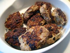 frikadeller, svinekød, hakket kalve- og flæskesmåkød, løg, æg, rasp, hvedemel, mælk