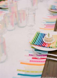 Mesas decoradas con washi tape, idea de Hola Mamá.
