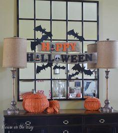 Last Minute DIY Halloween Banner by @houseontheway