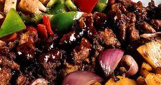 Knapriga grönsaker och friterat fläsk är en vanlig rätt på kinarestauranger och inte så svår att laga hemma. Byt ut fläskköttet mot lika delar tofu om du vill ha en vegetarisk rätt.