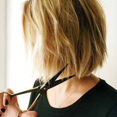 Glamsquad - How To Do Edgy Bob | Glamsquad's team of experts explains how to get the new edgy bob hairstyle. #refinery29 http://www.refinery29.com/edgy-bob