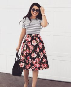 I would prefer a shorter skirt but I really like these two patterns together. The sunglasses are cute too