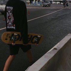 The widest variety of recent skateboard clothing in share now. Skateboard Photos, Skate Photos, Skateboard Art, Skateboard Clothing, Skate Boy, Skate Surf, Hot Skater Boys, Mode Grunge, Images Esthétiques
