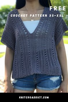 This is another great project for crochet beginners. It's a simple two panel project, but you still end up with cute little top. This crochet v-neck summer top pattern is includes US women's sizes XS-XXL with written pattern and video tutorial. Crochet Woman, Knit Or Crochet, Free Crochet, Crochet Sweaters, Crochet Tops, Boho Crochet Patterns, Crochet Summer Tops, Crochet Fashion, Crochet Clothes