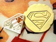 ★ Other Superhero cutters can be found here! ★    https://www.etsy.com/shop/StarCookies/search?search_query=superhero      Measurements    3.5 x 2.75