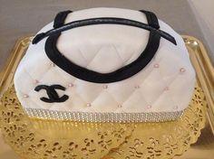 Gâteau en forme de sac chanel
