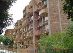 2 Bedroom Apartment / flat for sale in Wonderboom South, Pretoria R 440 000 Web Reference: P24-101302594 : Property24.com Pretoria, 2 Bedroom Apartment, Flats For Sale, Multi Story Building