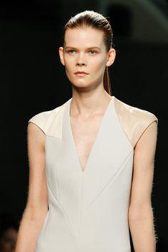 Irina Kravchenko in Bottega Veneta Fall 2014 #details