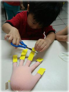 Coordenação Motora Motor coordination is the ability of our body to make articulated movements and i Cutting Activities, Motor Skills Activities, Preschool Learning Activities, Indoor Activities For Kids, Toddler Activities, Preschool Activities, Crafts For Kids, Kids Education, In Kindergarten