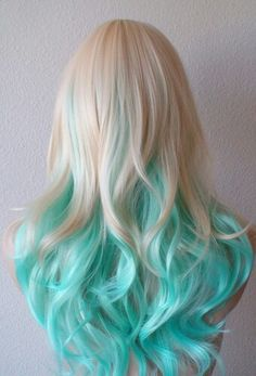 Riosabel 🥀 cabello ♀ en 2019 dyed hair, hair styles y curly Hair Dye Colors, Ombre Hair Color, Blonde Color, Cool Hair Color, Teal Hair, Blue Ombre, Ombre Brown, Mint Hair, Turquoise Hair