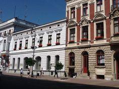 Lodz(Polen)- Piotrkowskastraat Street View, Mansions, House Styles, Home Decor, Poland, Decoration Home, Manor Houses, Room Decor, Villas