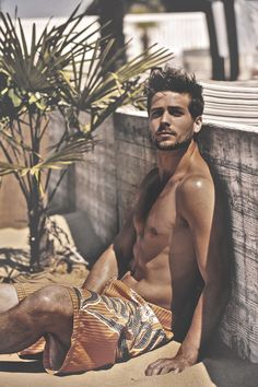Demian Overduijn, from the south of the Netherlands, once had 17 pets. World 2014 candidate You Are Handsome, Men Photography, Shirtless Men, Man Photo, Good Looking Men, Gorgeous Men, Beautiful People, Bearded Men, Cute Guys