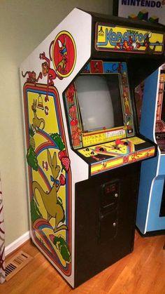 Kangaroo arcade game (already have it) Vintage Video Games, Classic Video Games, Retro Video Games, Vintage Games, Arcade Game Machines, Arcade Machine, Bartop Arcade, Retro Arcade Games, Pokemon