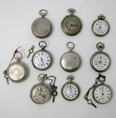 Lot of 10 pocket watches, late Century Movement: Manual winding All of them in silver. In running order. All of them require revision. 3 with 3 lids. The rest with 2 lids.