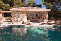 Small Backyard Pools, Backyard Patio Designs, Swimming Pools Backyard, Terrace House Exterior, Modern Pool House, Pole House, Moderne Pools, Italy House, Terraced House