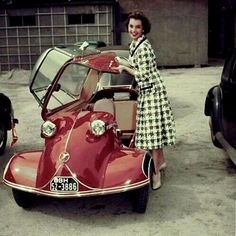 Christian Dior Haute Couture Tailleur pieds de poule en tweed 1950 - my mother used to come home from work in one of these Messerschmitts! Vintage Cars, Antique Cars, Retro Vintage, Carros Vintage, Red Vespa, Auto Girls, Mini Car, Bmw Autos, Vespa Girl