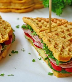 Sunne, proteinrike sandwichvafler – Karoline Marberg Waffle Sandwich, Recipe Boards, Sandwiches, Recipies, Mad, Food And Drink, Health Fitness, Low Carb, Favorite Recipes