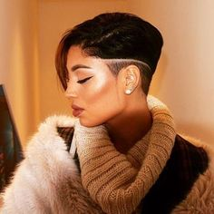 HAIRSPIRATION| This #haircut on on #MUA @amandizzllee is so FIERCE✂️ In love with this #undercut ❤️ #voiceofhair ========================= Go to VoiceOfHair.com ========================= Find hairstyles and hair tips! =========================