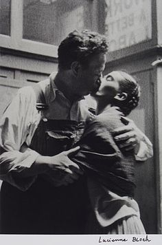 so30s:    Lucienne Bloch - Frida & Diego Caught Kissing,1933    Hermosa fotografía.