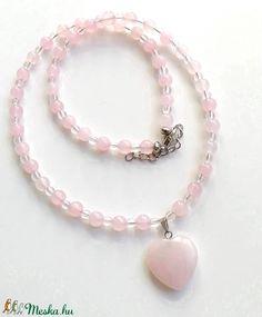 Rózsakvarc - hegyikristály ásvány nyaklánc, féldrágakő gyöngysor szív medállal (amethysta) - Meska.hu Pearl Necklace, Beaded Bracelets, Pearls, Jewelry, Fashion, String Of Pearls, Moda, Jewlery, Jewerly