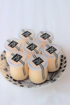 Yogurt Packaging, Jar Packaging, Dessert Packaging, Food Packaging Design, Sweet Desserts, Dessert Recipes, Bubble Milk Tea, Caramel Pudding, Dessert Boxes