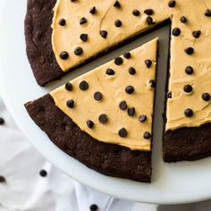 Chocolate Peanut Butter Cookie Pizza -Ready in 25 mins, gluten free, no butter or oil and made with Greek yogurt! You need this.