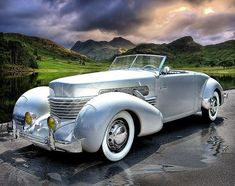 1937 Cord 812 Sportsman Cabriolet Brought you by House of Insurance Car insurance at the right price in Eugene, sports cars sport cars vs lamborghini cars Us Cars, Sport Cars, Classic Sports Cars, Classic Cars, Moto Collection, Vintage Cars, Antique Cars, Vintage Sports Cars, Auto Retro