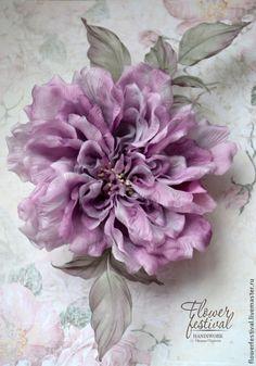 """Silkflowers. Цветы ручной работы. Ярмарка Мастеров - ручная работа Оксаны Чистовой. Роза """"Lady"""" из шелка. Цветы из ткани. Сиреневый. Handmade. Fabric Flower Pins, Fabric Roses, Handmade Flowers, Diy Flowers, Handmade Headbands, Handmade Soaps, Handmade Rugs, Handmade Crafts, Pink Christmas Tree Decorations"""