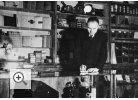 1932 - Wilhelm Preim lässt das Geschäft umbauen und um ein Labor und eine Fotohandlung erweitern.