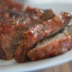 Healthier Brown Sugar Meatloaf Recipe Recipe : A tasty meatloaf flavored with ginger and ketchup is made healthier by using less sugar, low-fat milk, and whole wheat bread crumbs. Easy Meatloaf, Meatloaf Recipes, Meat Recipes, Healthy Dinner Recipes, Cooking Recipes, Recipies, Healthy Foods, Mushroom Meatloaf, Healthy Meatloaf