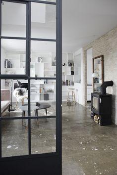 I just love these kind of doors. Industrial, spatial. Elegant.