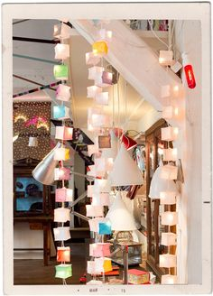 Guirlandes Cubistes et Cornettes : une savant mélange de lumière signé Tsé Tsé ! Room Planning, Avril, How To Plan, Lighting, Hui, Mobiles, Interior, Bliss, Fans