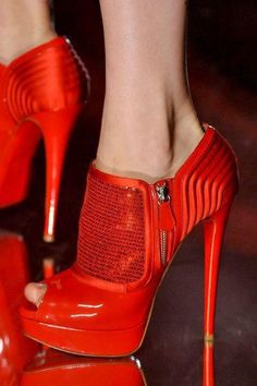 Love this red #shoes                  #fashion