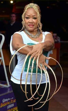 awesome Ripley's Believe It Or Not: Woman With 23 Inch Nails
