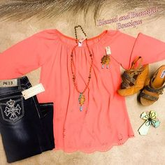 Snag this bright beautiful top before it's gone! ☀️ Small-2XL $35.99 #bright #peach #ootd #wiw #blessedandbeautiful #boutique