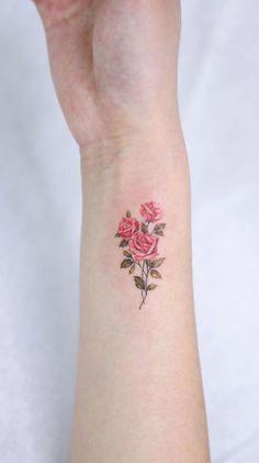 minimalist rose tattoo © tattoo artist STUDIOBYSOL_donghwa 💕🌹💕🌹💕🌹💕🌹💕