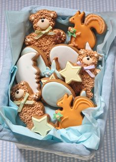 How to Make Baby Shower Cookies. i would love these!!! bears and squirrels :) reminds me of big bear :)